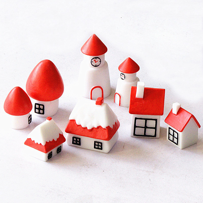 Red Cartoon Christmas House Miniature Dollhouse Ornament Mini Toy Home Craft Fairy Bonsai Decor Cake Decoration DIY Accessories