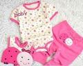 Бесплатная доставка Ребенка Ползунки Треугольник восхождение одежды + слюна коврик + брюки 3 sets новорожденных детская одежда ребенка комбинезон новорожденный