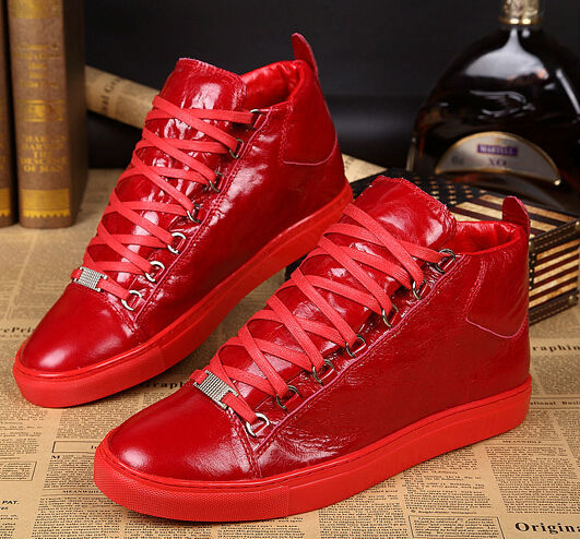 5aac1329b2a Más nuevo encaje hasta zapatillas de deporte rojas de cuero en forma de bota  botas Ankel West Arena entrenadores de la celebridad diseñado Red hombres  ...