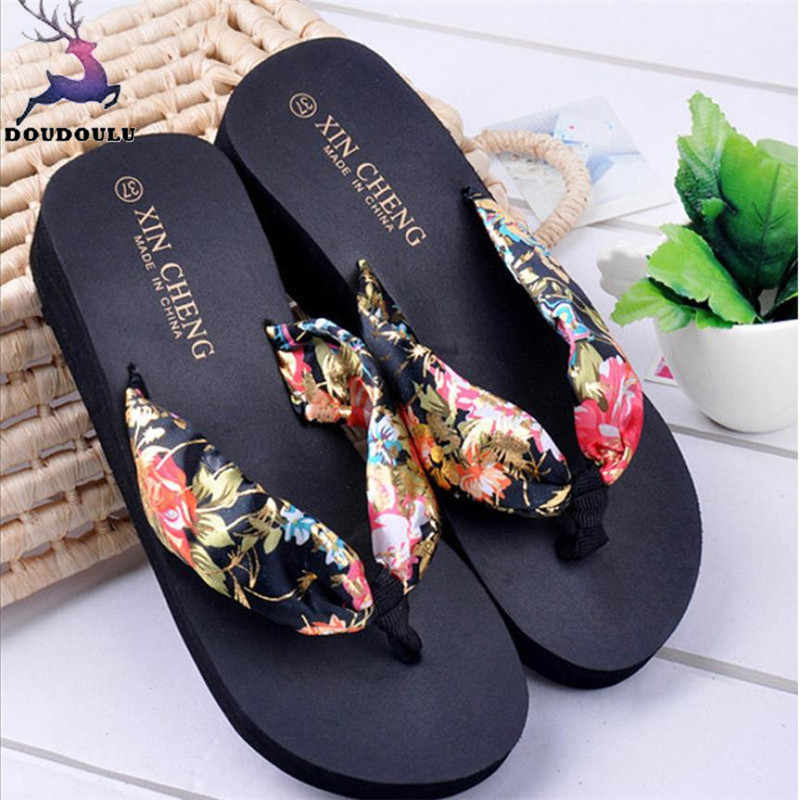 Bohemia Floral Beach Slippers Women Wedge Platform Thongs Slippers Flip Flops 2018 New Summer Shoes Woman zapatos mujer