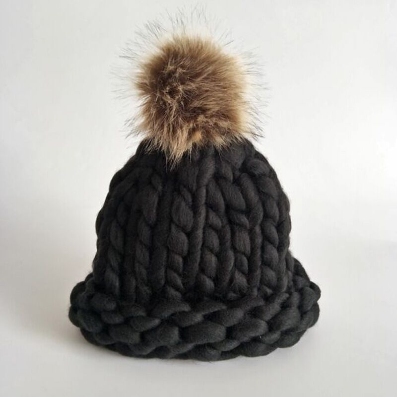 new Casual Beanies Women Thick lines Winter Hats Crochet Knitting Wool Cap Fur Pompons Ball Warm Gorros Outdoor Thick Female Cap winter women beanies pompons hats warm baggy casual crochet cap knitted hat with patch wool hat capcasquette gorros de lana