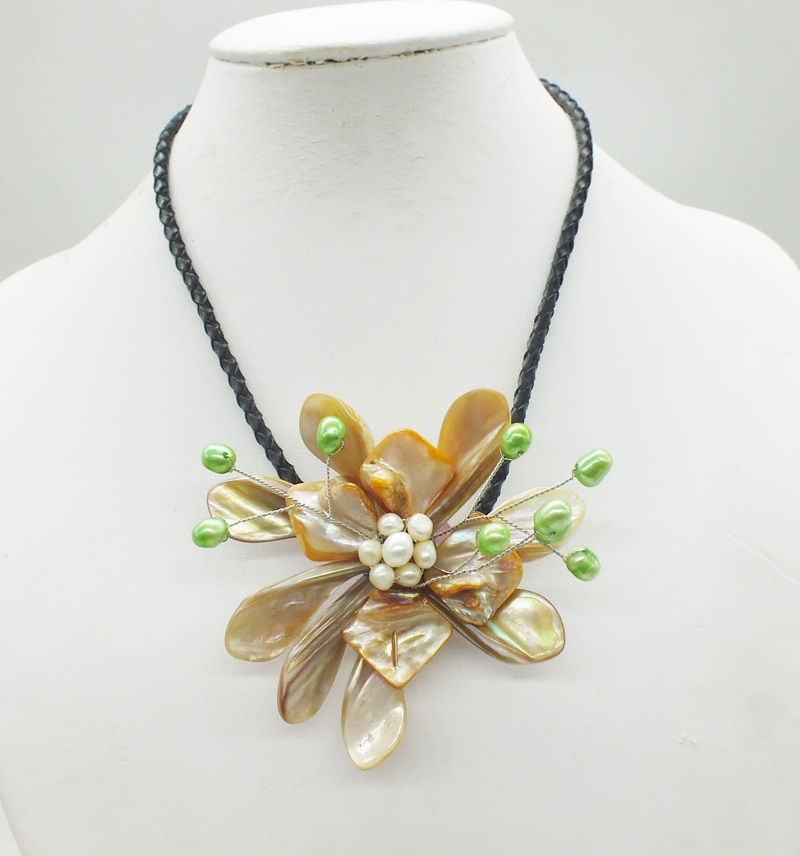 2018-12-18-11.38#  Like, you buy it  ! ! Last necklace  shell.pearl  flower necklace