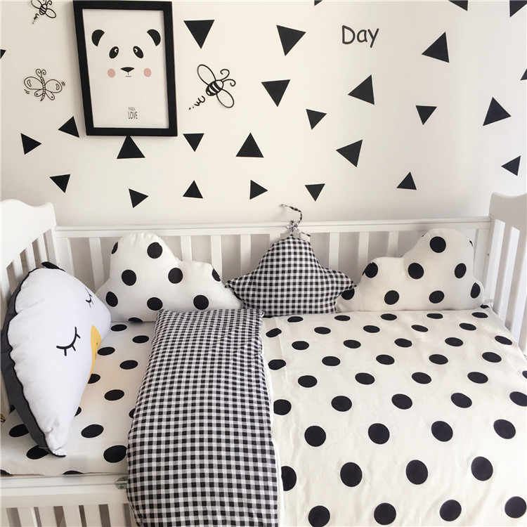 3Pcs set Baby Bedding Set Crib Newborn Baby Bed Linens for Girl Boy Cartoon Spectacled Bear pillowcase flat sheet duvet cover
