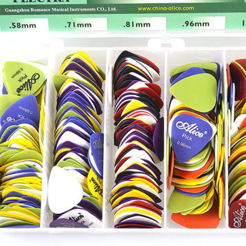 Купить с кэшбэком Alice Non-slip ABS Guitar Picks Plectrum Gauge 0.58mm 0.71mm 0.81mm 0.96mm 1.20mm 1.50mm Color Random Guitar Parts Accessories