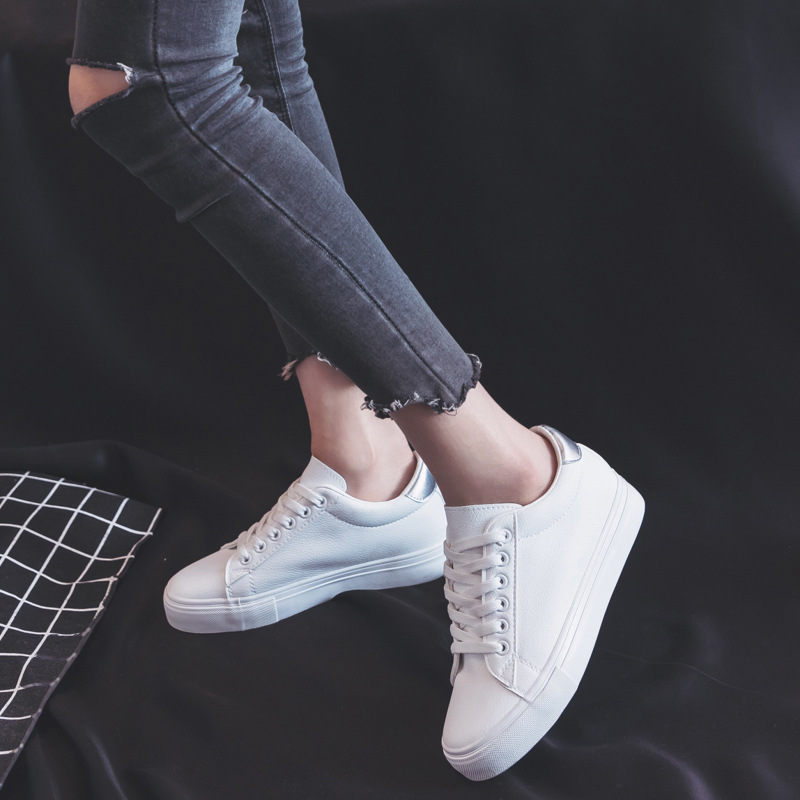 цена 2018 Women Shoes New Fashion Shoes Woman Solid Color Casual High Platform Increased Solid PU Leather Women Casual Sneakers