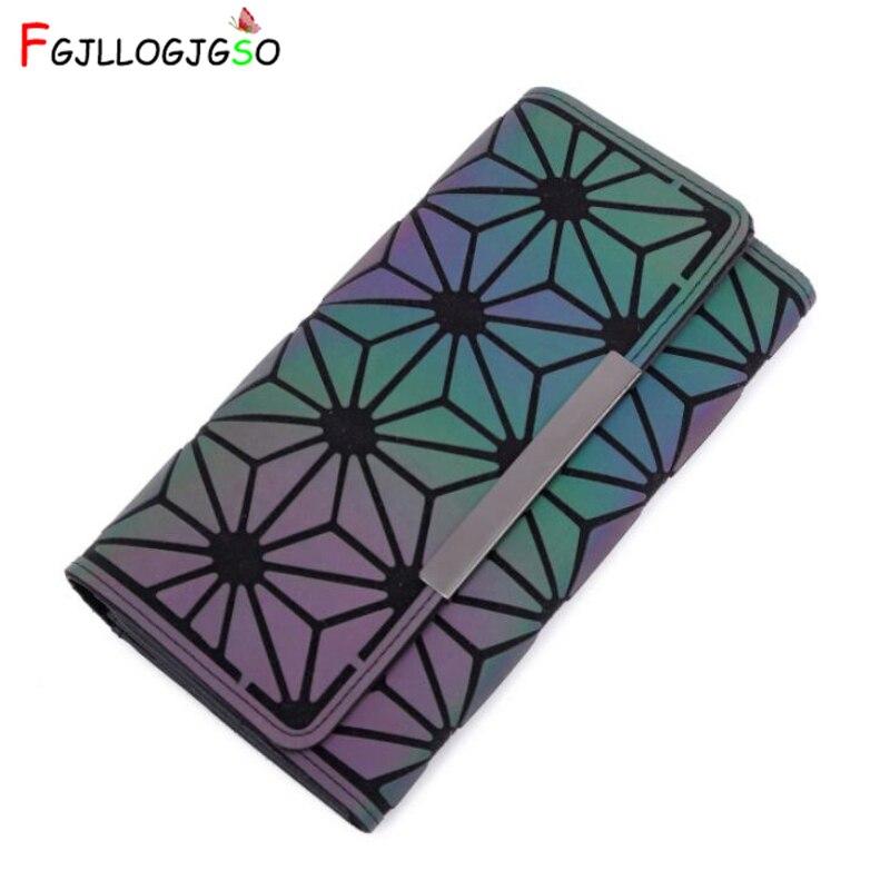 7b75aec36e Diseño de la marca de las mujeres embrague carteras noctilucentes bolso  geometría luminosa cremallera cartera mujer Bolsa De Teléfono titular de la  tarjeta ...