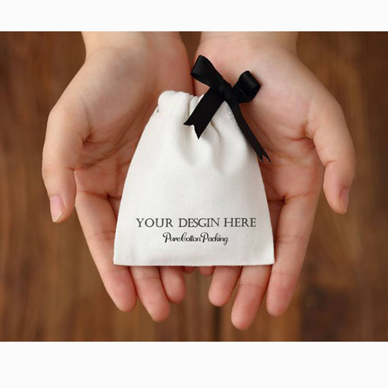100pcs Personalized Jewelry Packaging Wedding Favor Bags White Cotton Canvas Drawstring Bags Custom Logo Chic Small Pouch