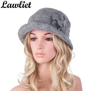 Image 1 - Kış şapka kadınlar için 1920s Gatsby tarzı çiçek sıcak yün bere kış kap bayanlar kasketleri kilise şapkalar Cloche Bonnet fedoras A299
