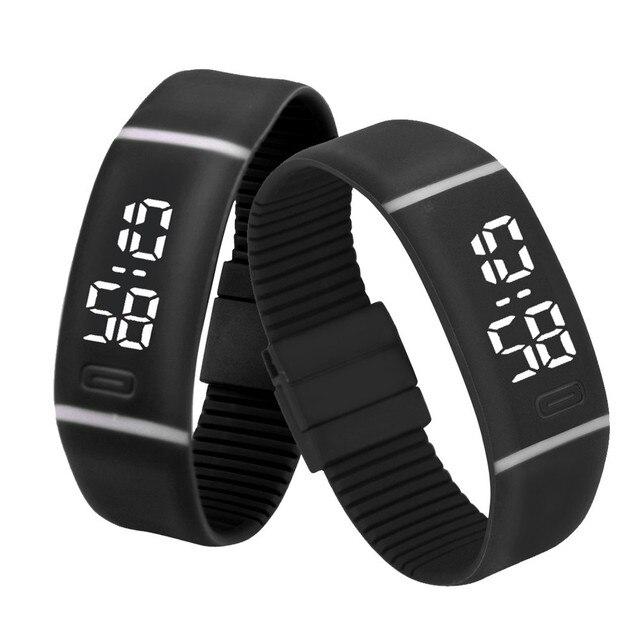 0d0ad21bf98c Hombre relojes deportivos de goma reloj LED fecha pulsera Brazalete reloj  de pulsera Digital excelente montre