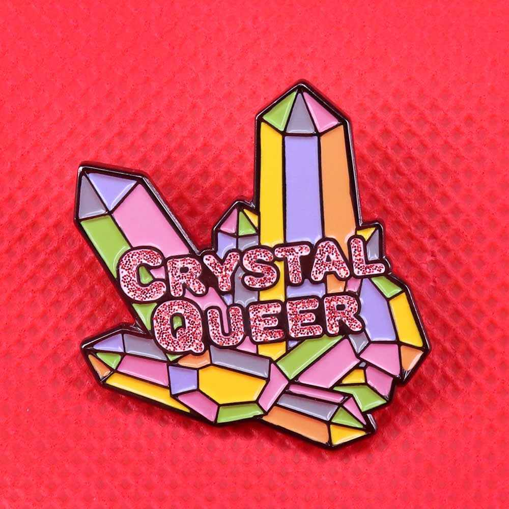 Crystal queer emaille pin quartz cluster broche LGBT rainbow pride badge leuke glitter pin pastel art sieraden magical gift voor haar