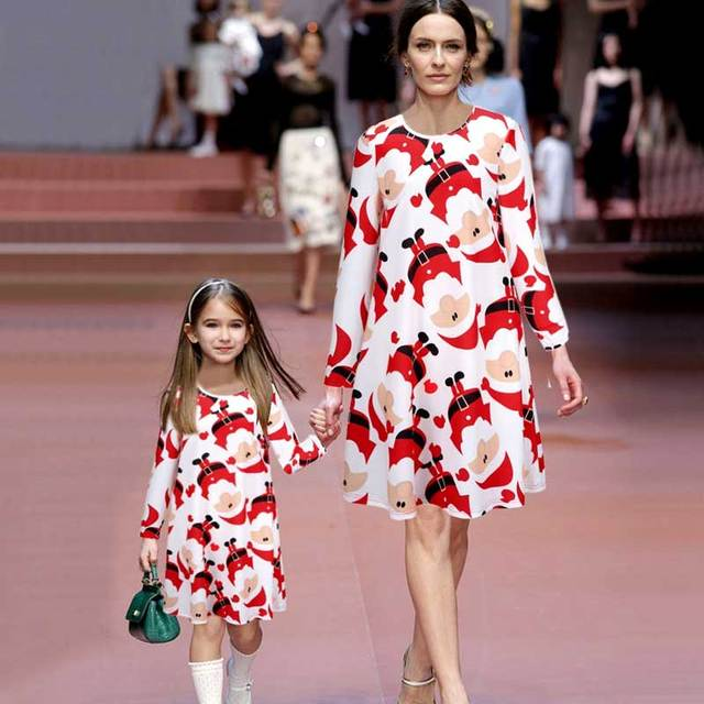 9e6e5e6b9cac8 Mère fille robes famille correspondant vêtements à manches longues  impression maman et moi de noël robe