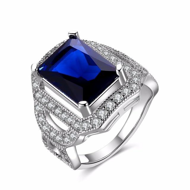 Ringe mit blauem stein
