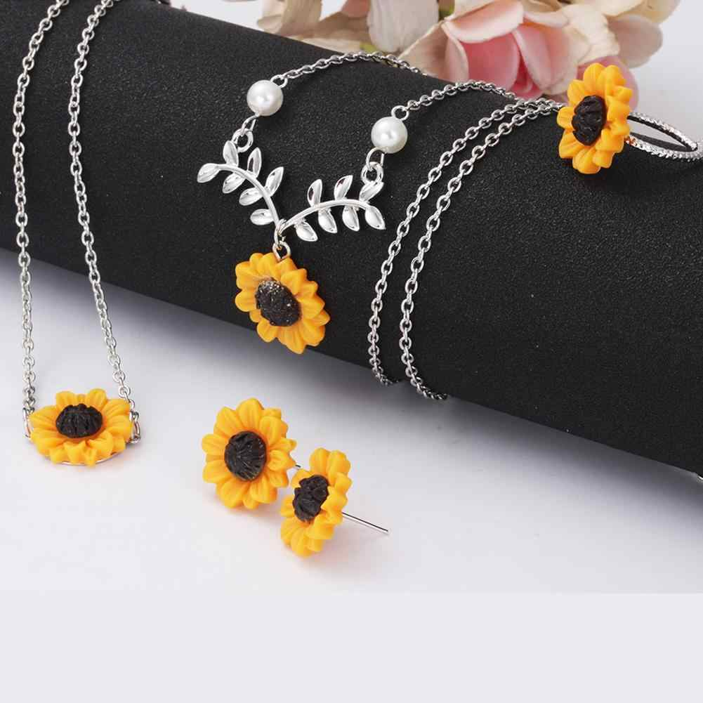 Personality Fashion Creative  5Pcs/Set Sunflower Alloy Pendant Necklace Stud Earrings Ring Bracelet Pearl Harajuku Jewelry Gift