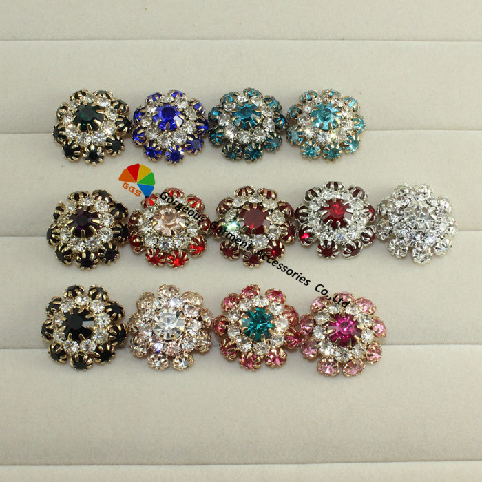 Aliexpress.com   Buy 100pcs lot Shiny Round Metal rhinestone buttons ... 7ea7bd2978b9
