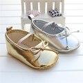 2016 La Venta Caliente Muchachas Encantadoras Del Bebé Mocasines de Cuero de LA PU Bowknot Zapatos de Cuna Cochecito De Zapatos Antideslizante Suave Niño Mocasines de cuero