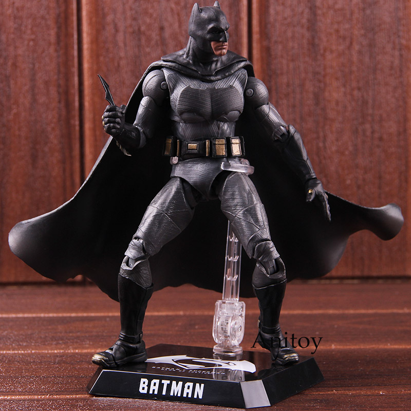DC Comics Figurine Batman V Superman: Dawn of Justice Action Figure Batman DAH-001 1/9th Scale PVC Collectible Model Toy saintgi batman v superman dawn of justice man of steel dc superman doll super heroes pvc 23cm action figure collection model kid