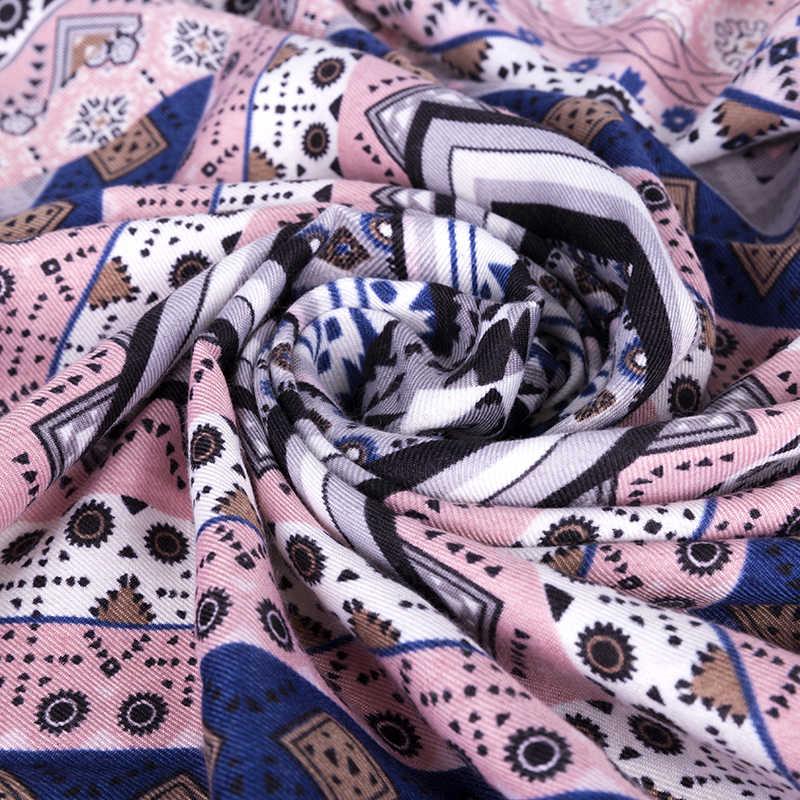 RUINPOP kadın Üçgen Kış Eşarp Moda Tasarım Baskı Kare Eşarp Atkılar Püskül Bayanlar Pembe Şal Wrap Bayanlar Kadın