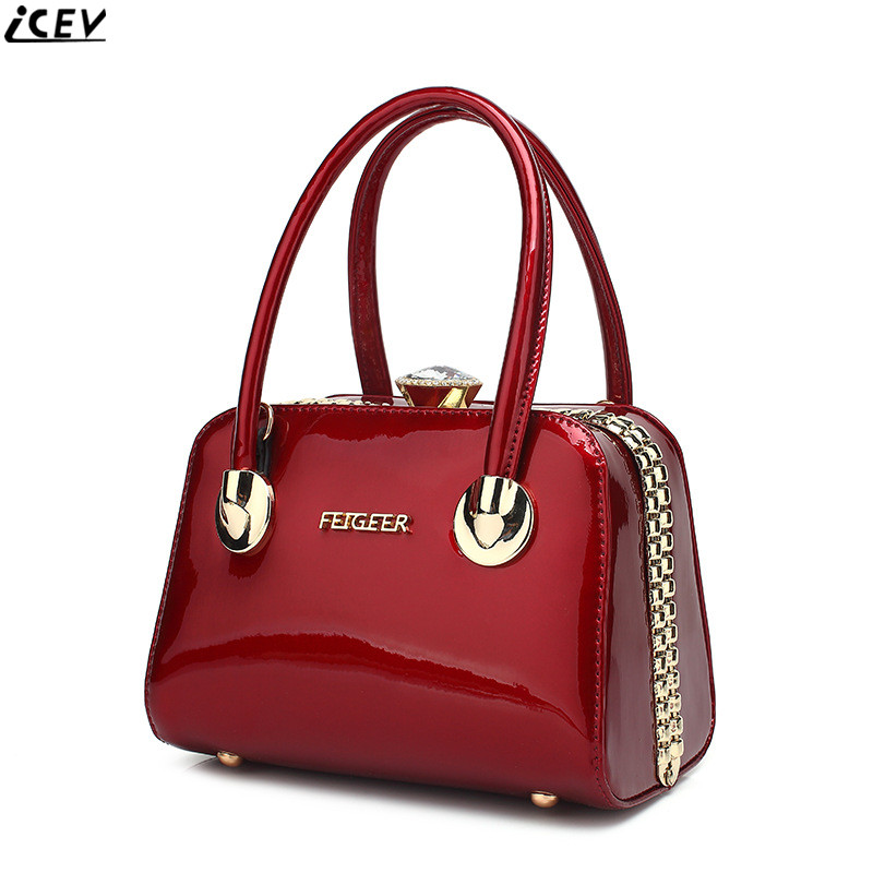 2018 new designer high quality luxury women handbags famous brand patent leather lady messenger bag clip evening clutch wedding paste lady real leather handbags patent famous brands designer handbags high quality tote bag woman handbags fringe hot t489