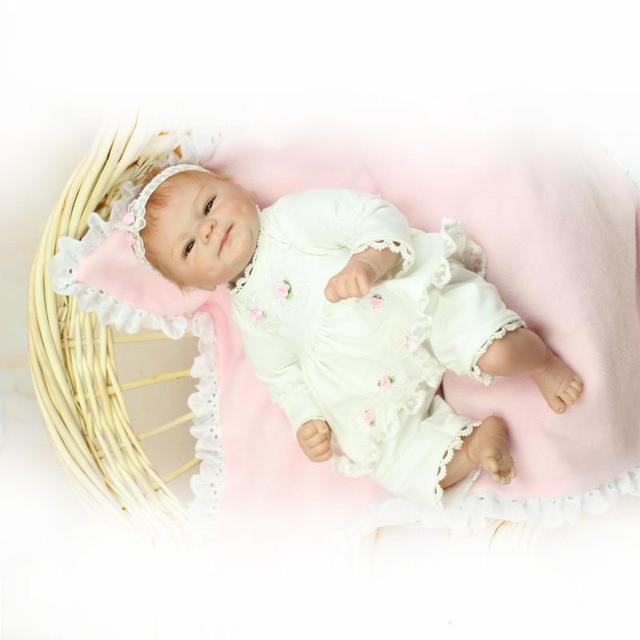 UCanaan Novo 40-45 cm Artesanal Silicone Renascer Baby Doll Qualidade Superior bonecas Reborn Vinil Brinquedo Do Bebê Melhor Presente Para Criança Criança brinquedos