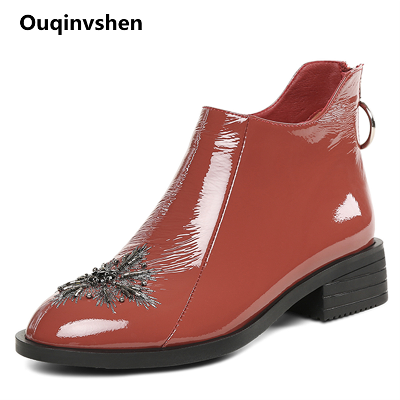 Ouqinvshen Crystal Flower Leather Boots Women Fashion Casual Brown Autumn Winter Ankle Boots For Women Round Toe Flats Boots стоимость