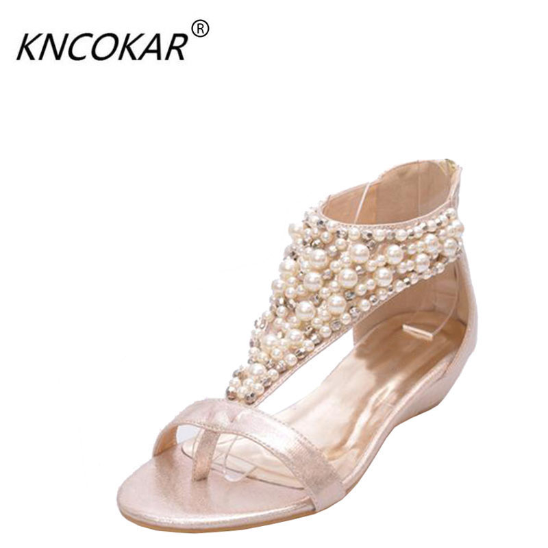 The latest version of 2017 summer Bohemian folk style Sandals women features Beaded drops Golden female sandals 35-40 yards fornarina короткое платье