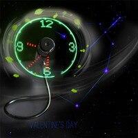 Zero 2017 Mini USB Powered LED Cooling Flashing Real Time Display Function Clock Fan B7817