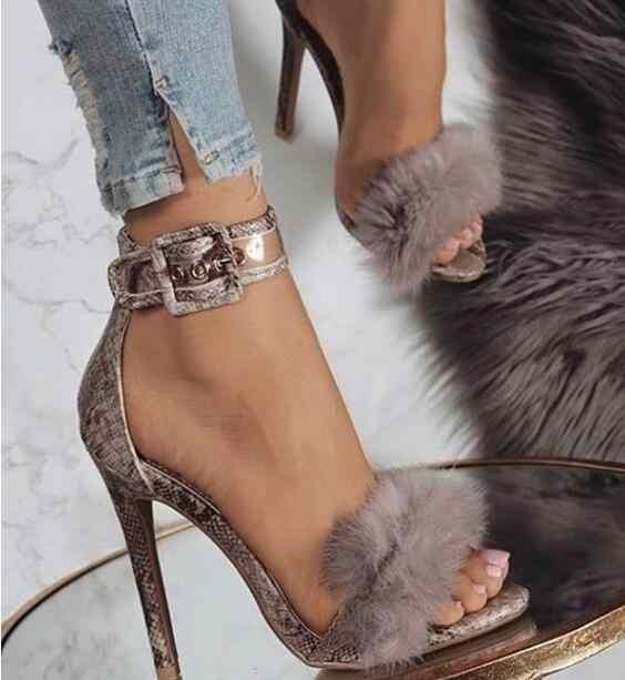 Drop Shipping Yaz Yeni Kadın Yılan Cilt Python Faux Kürk Tüy Burnu açık Toka Stiletto Topuk Parti Sandalet Ayakkabı Bayan boyutu 42