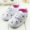 Lindo Bordado de Encaje de la Flor Zapatos Del Bebé Primeros Zapatos de Los Caminante Infant Toddler Kids Zapatos Inferiores Suaves Zapatillas de Deporte Del Calzado