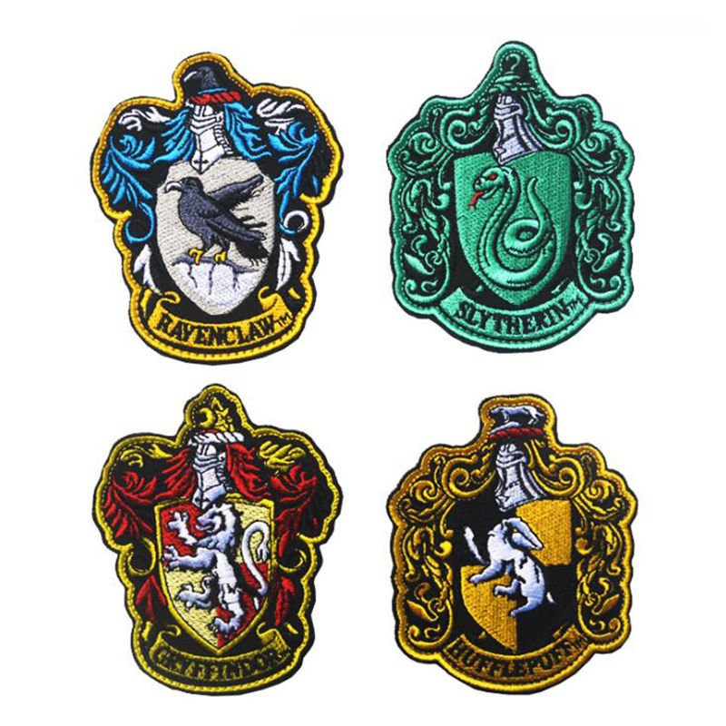 1PC Hogwarts / Ravenclaw / Gryffindor / Hufflepuff / Slytherin Magic Robe Paste Cosplay School Badge Embroidery Patch Icon