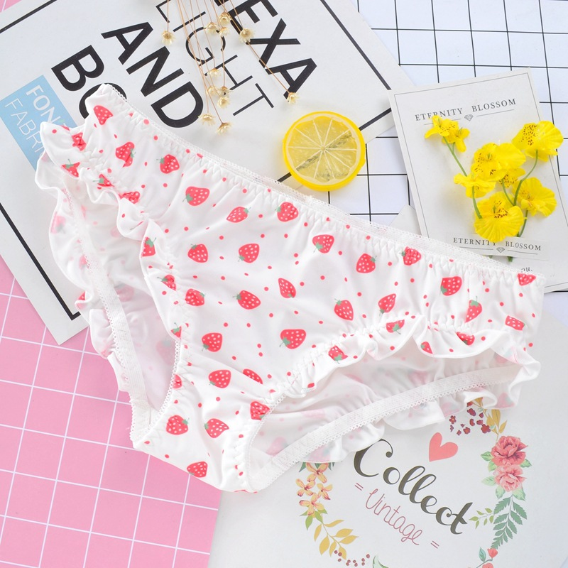 Japanese Style Cute Low Waist Girl   Panties   Milk Silk Strawberry Print Ruffle Low Waist Women Underwear Sweety Lovely Breifs