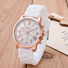 цена 2019 New Famous Brand Rosy Gold Geneva Casual Quartz Watch Women Silicone Watches Relogio Feminino Wristwatches Hot Sale Clock онлайн в 2017 году