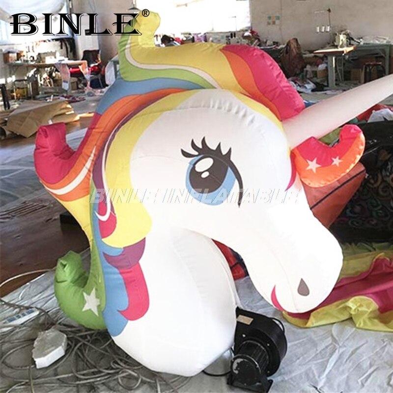 Nouveau beau arc-en-ciel couleur oxford géant gonflable licorne suspendus animal tête ballon pour la décoration de fête de mariage