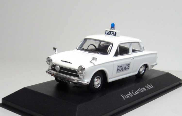 atlas 143 ford cortina mk1 surrey police british police cars diecast car model