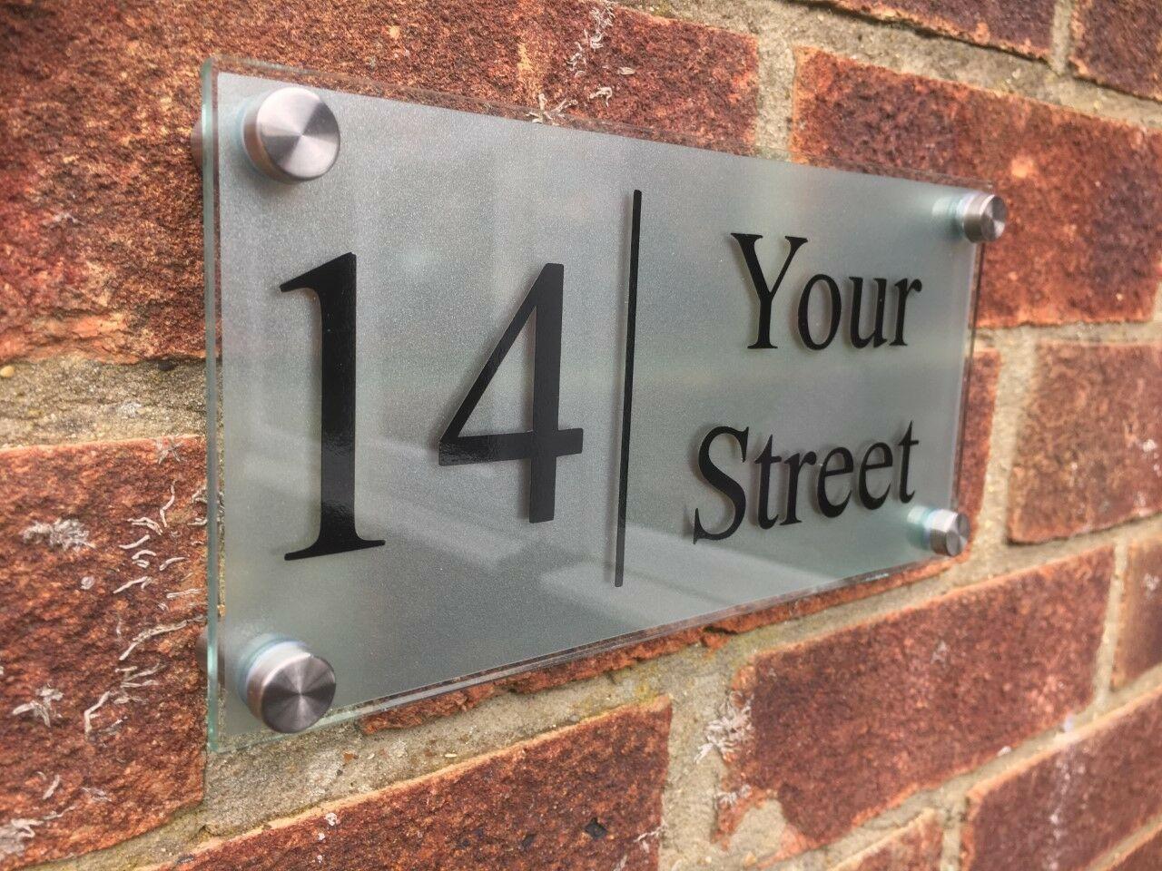 MODERN HOUSE SIGN PLAQUE DOOR NUMBER//STREET GLASS EFFECT ACRYLIC