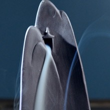 Queimador de incenso de efeito cascata modelo montanha (oferta 10 cones de incenso)