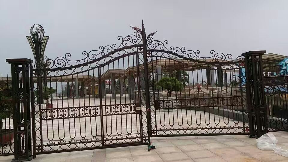 Shanghai china factory producing luxury wrought iron gates