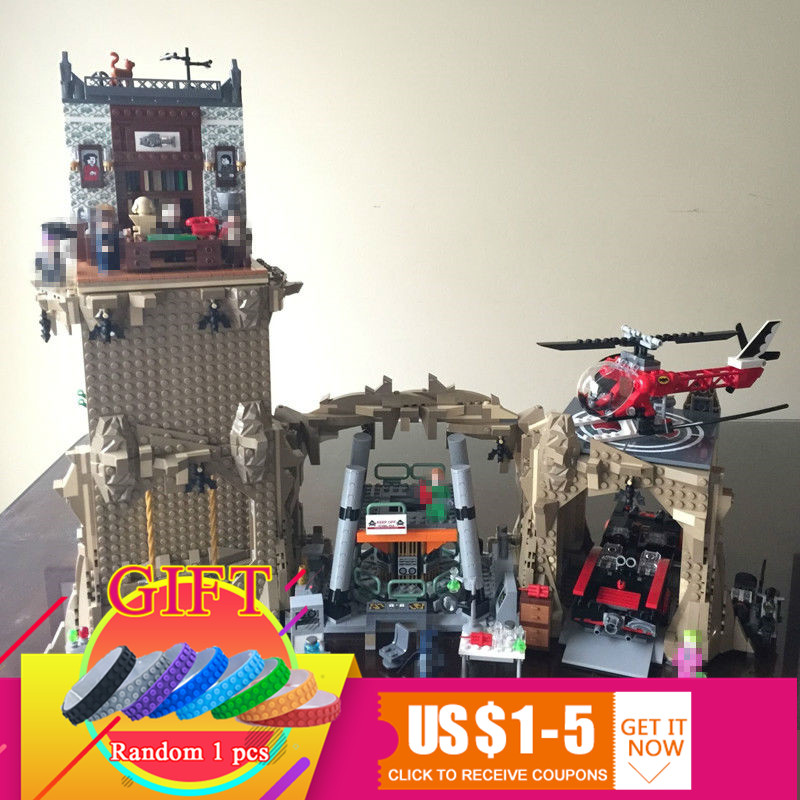 07053 2566PCS Super Hero MOC Escort Set Children Educational Building Blocks compatible with 76052 Toys Model lepin lepin 07053 2566pcs genuine dc batman super heroes moc batcave educational building blocks bricks toys gift for children 76052
