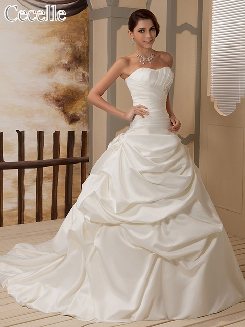 2017 Vintage Ivory Ball Gown Wedding Gowns Satin Chapel Train ...