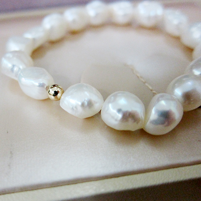 Fashion Baroque Pearl Bracelet Bracelet Classic White Freshwater Pearl Accessories Fine Women 39 s High Jewelry Holiday Gift in Bracelets amp Bangles from Jewelry amp Accessories