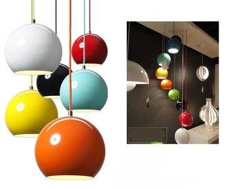 โคมไฟข้างเตียงเดี่ยวไฟหน้าใหม่สีประเภทบอลโคมไฟศิลปะสร้างสรรค์บุคลิกเสื้อผ้าร้านจี้ศึก...