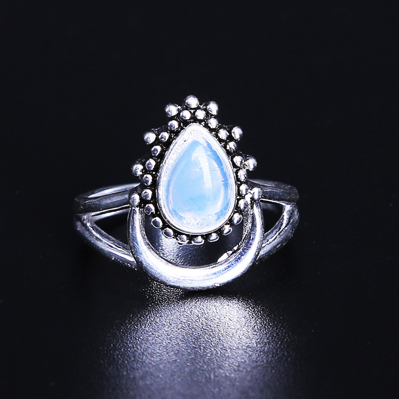2018 Vintage Crescent Thai Silver Color  Rhinestone Filled White Drop Type Ring Women Natural Moonstone Stone Ring Jewelry
