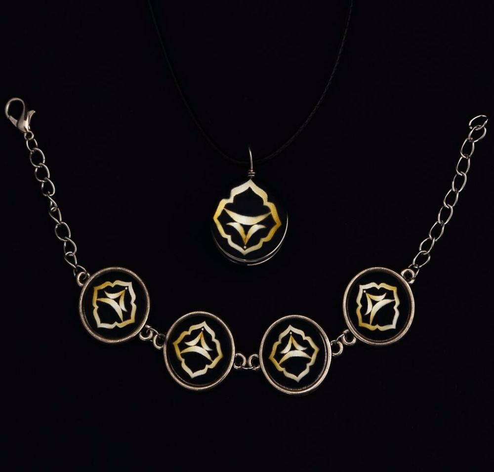 Fomalhaut Independent Brand Crystal Glass Ball Iris Flower Necklace