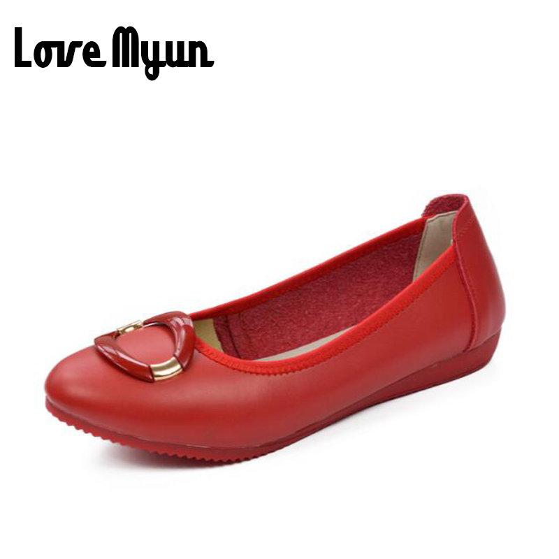 Big size Women soft leather shoes fashion Comfortable Loafers casual flats mum moccasin-gommino mother Nurse Working shoes BC-44 fashion baby flats tassel soft sole cow leather shoes infant boy girl flats toddler moccasin 17mar20