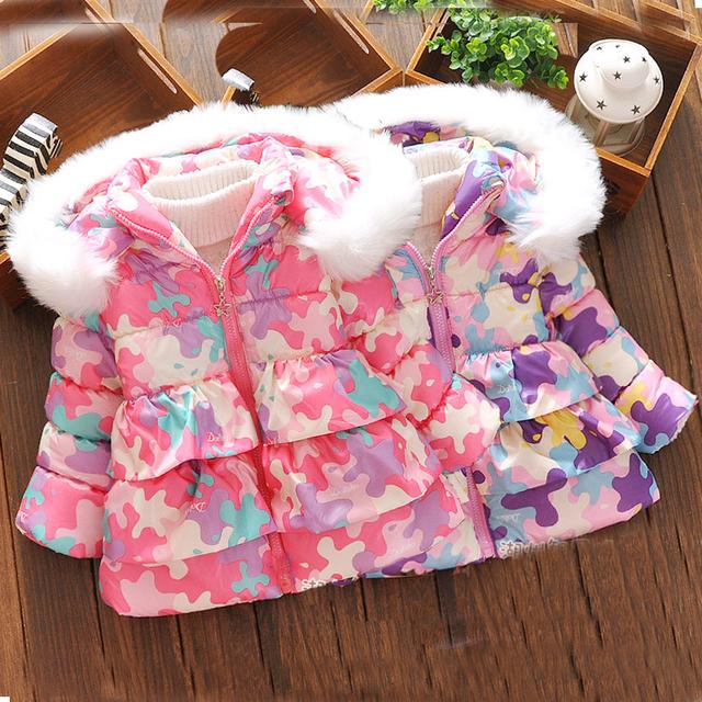 2016 bebés de la ropa de invierno caliente abajo escudo chaqueta con capucha de manga larga Espesar abrigos niños ropa niñas de la moda abrigo
