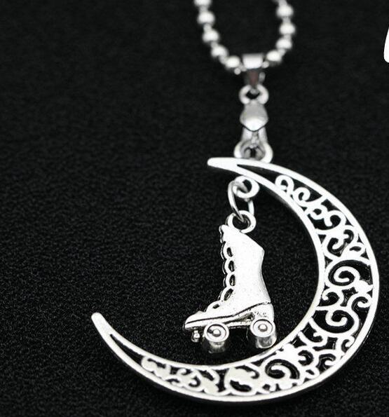 Roller Shoes&Moon Crescent Charms Collar Choker Necklace Pendants Vintage Silver For Women  Jewelry Accessories DIY 10PCS H380