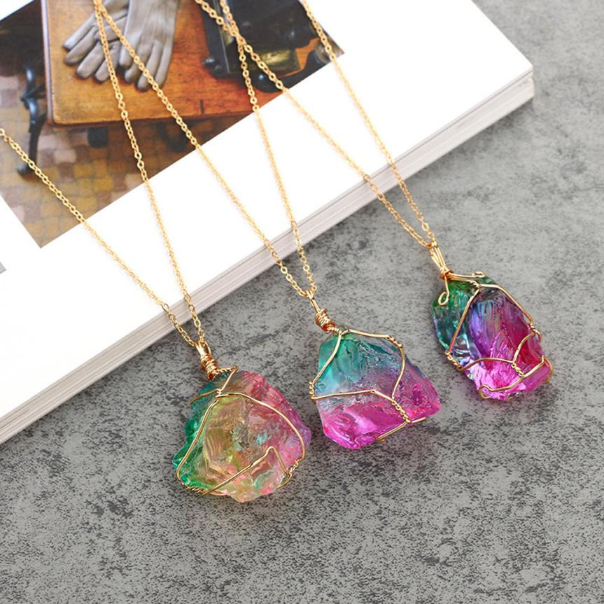 Attractive Rainbow Stone Natural Rock Necklace Gold Quartz Pendant Torque Crystal Necklace Shiny Ornaments Choker Trinket Aneis