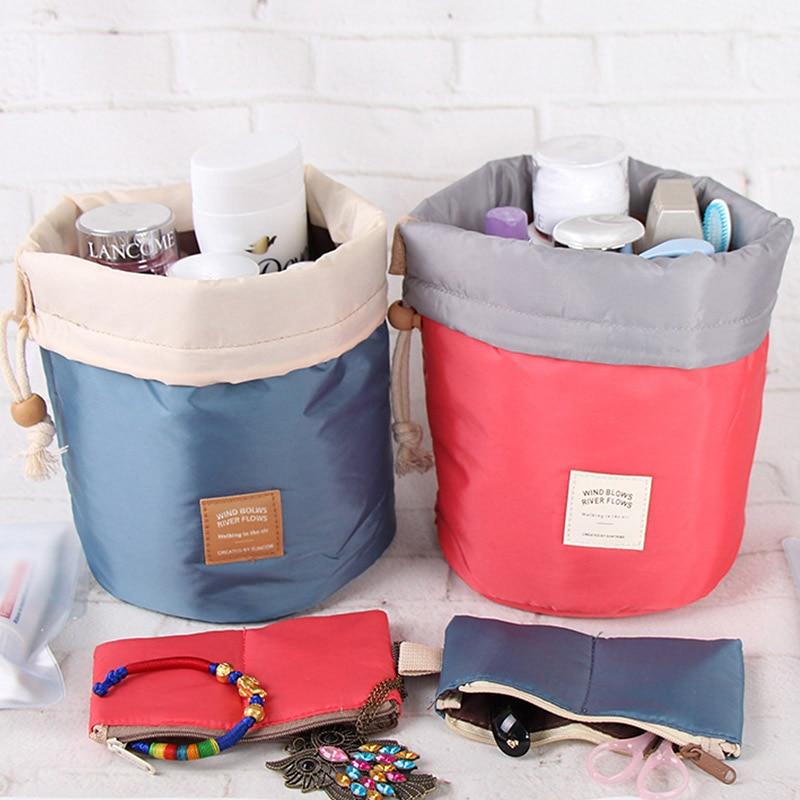 DINIWELL Nylon Barrel Shaped Travel Toalettsaker Kosmetika Bag Makeup - Hemlagring och organisation