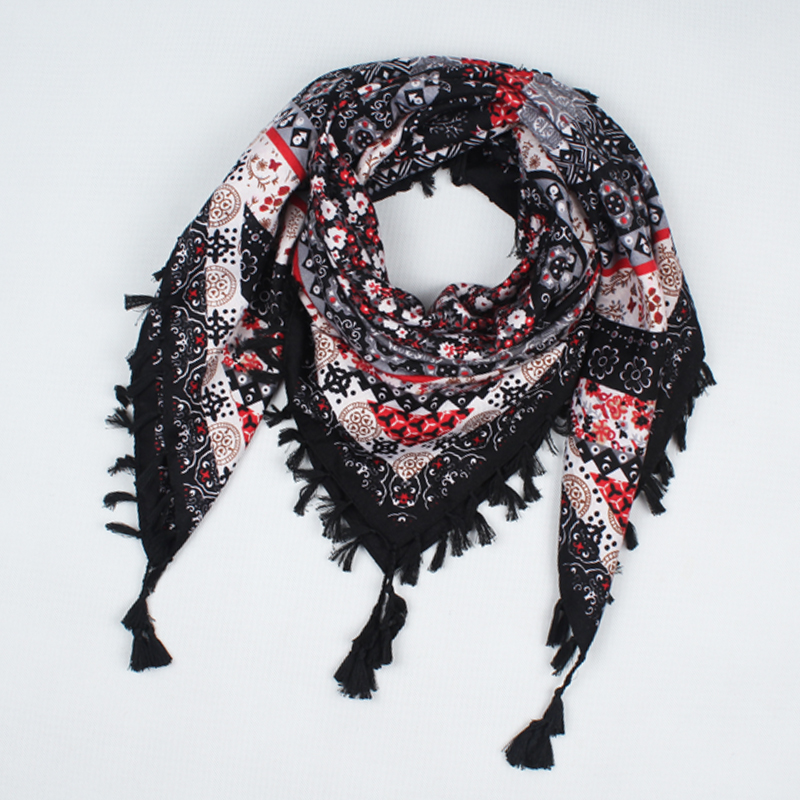 2017 hot sale new fashion woman Scarf square scarves tassel s