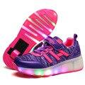 Novos Sapatos De Rolo Crianças Menino & Menina Automático LED Iluminado Piscando Patins Crianças Preto Sapatilhas Com Rodas BZ056