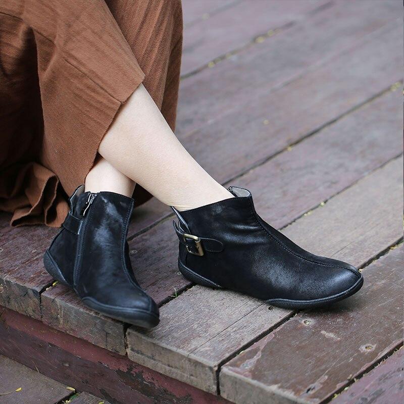Ayakk.'ten Ayak Bileği Çizmeler'de Tyawkiho Hakiki Deri Kadın yarım çizmeler Kahve Retro Chelsea Çizmeler Kadın Düşük Topuk deri ayakkabı Satış Retro El Yapımı Botlar'da  Grup 1